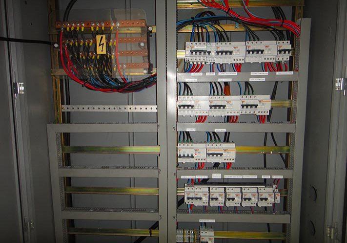 Armoire électrique après mise-aux-normes-NFC15-100